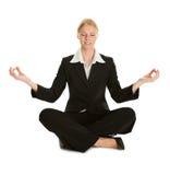 Donna di affari che si siede nella posizione del fiore di loto Immagine Stock Libera da Diritti