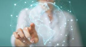 Donna di affari che usando la rappresentazione dell'interfaccia 3D della mappa di mondo di U.S.A. Fotografie Stock