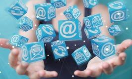 Donna di affari che usando la rappresentazione di galleggiamento del contatto 3D del cubo Immagine Stock Libera da Diritti