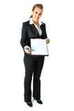 Donna di affari con i documenti per il vostro segno fotografia stock