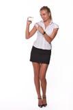 Donna di affari con il biglietto da visita in bianco Fotografia Stock Libera da Diritti