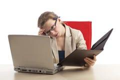 Donna di affari con il burnout Fotografie Stock Libere da Diritti