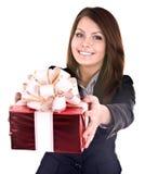 Donna di affari con il contenitore di regalo. Fotografia Stock