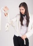 Donna di affari con il nodo del problema Fotografia Stock Libera da Diritti