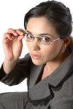 Donna di affari con il primo piano di vetro immagini stock