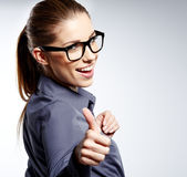 Donna di affari con il segno giusto della mano Immagini Stock Libere da Diritti