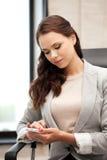 Donna di affari con il telefono delle cellule Immagine Stock Libera da Diritti