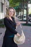 Donna di affari con la borsa Fotografie Stock Libere da Diritti