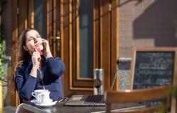 Donna di affari con la carta di credito Fotografia Stock Libera da Diritti