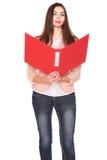Donna di affari con la cartella su fondo isolato bianco Immagini Stock