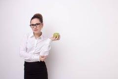 Donna di affari con la mela Immagini Stock Libere da Diritti