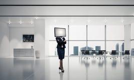 Donna di affari con la TV invece della testa Fotografia Stock Libera da Diritti