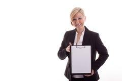 Donna di affari con un blocchetto per appunti Fotografia Stock