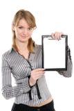 Donna di affari con un dispositivo di piegatura Immagini Stock Libere da Diritti