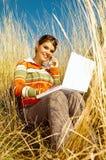 Donna di affari esterna Fotografia Stock Libera da Diritti