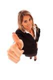 Donna di affari felice che gesturing BENE Fotografia Stock Libera da Diritti