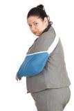 Donna di affari grassa con la mano rotta Fotografie Stock Libere da Diritti