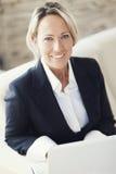 Donna di affari At Home Office fotografie stock