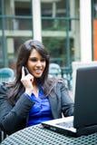 Donna di affari indiana con il computer portatile Fotografia Stock Libera da Diritti