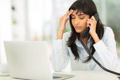 Donna di affari indiana stanca Immagini Stock