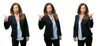 Donna di affari di medio evo con capelli lunghi fotografia stock libera da diritti