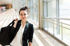 Donna di affari nell'aeroporto Fotografie Stock