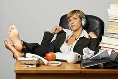 Donna di affari o allievo pigra Fotografie Stock Libere da Diritti