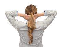 Donna di affari o insegnante in vestito dalla parte posteriore Immagini Stock Libere da Diritti