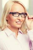 Donna di affari o segretario sorridente in ufficio Immagine Stock Libera da Diritti
