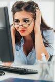 Donna di affari preoccupata Fotografia Stock