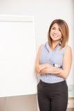 Donna di affari pronta a dare una presentazione Fotografia Stock Libera da Diritti
