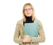 Donna di affari sicura con i vetri ed il dispositivo di piegatura Immagine Stock Libera da Diritti