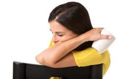 Donna di affari Sitting in un sonno della sedia Immagine Stock Libera da Diritti