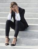 Donna di affari sollecitata giovani Immagini Stock