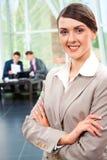 Donna di affari sorridente fotografia stock