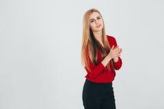 Donna di affari in una blusa rossa Fotografia Stock Libera da Diritti