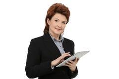 Donna di affari Using Digital Tablet immagine stock