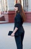 Donna di affari in vestito fotografie stock libere da diritti