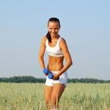 Donna di allenamento e di forma fisica Fotografia Stock Libera da Diritti