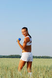 Donna di allenamento e di forma fisica Immagini Stock Libere da Diritti
