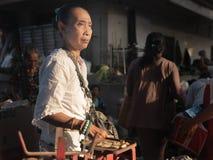 Donna di balinese di medio evo, Bali immagini stock