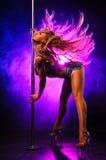 Donna di ballo di Palo Fotografia Stock