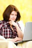 Donna di chiacchierata Immagine Stock Libera da Diritti