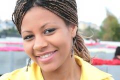 Donna di colore attraente Immagini Stock