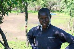 Donna di colore della tribù africana di maasai, all'aperto, sorridente Immagine Stock Libera da Diritti