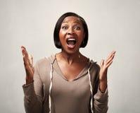 Donna di colore felice immagine stock