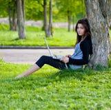 donna di estate della sosta Fotografia Stock