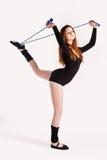 Donna di forma fisica che fa esercizio dell'equilibrio Immagini Stock Libere da Diritti