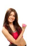 Donna di forma fisica del Brunette con i dumbbells del peso Immagini Stock Libere da Diritti