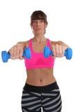 Donna di forma fisica di allenamento agli sport che prepara isola delle teste di legno della tenuta Fotografie Stock